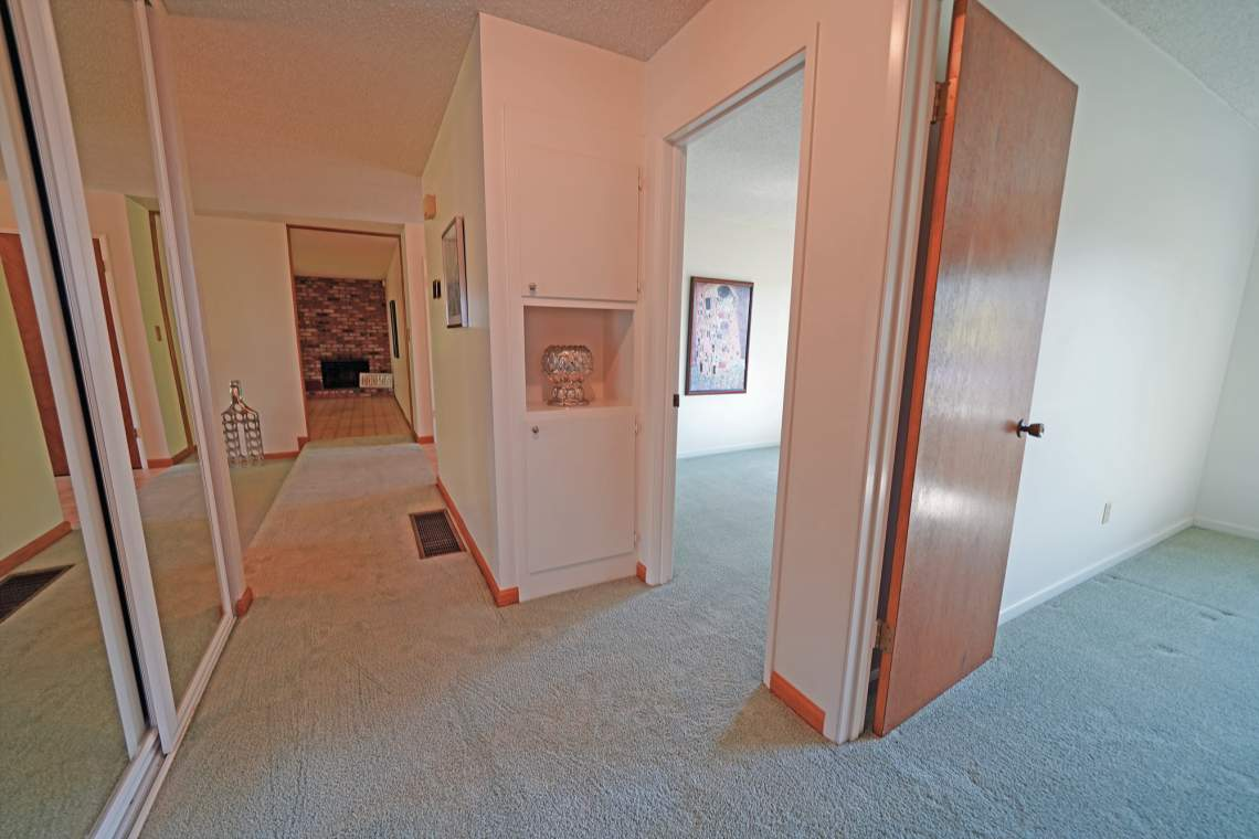 Hallway-Web