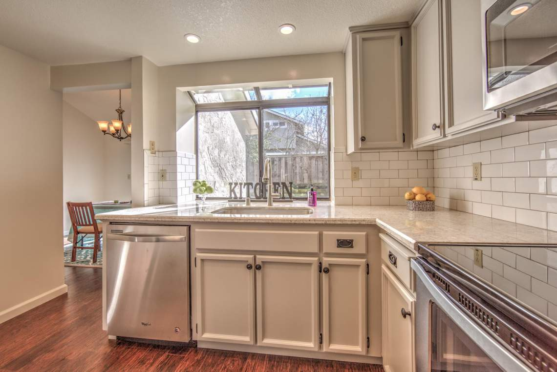Lake Meadow Kitchen 2