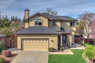 412 Fraga Court, Martinez
