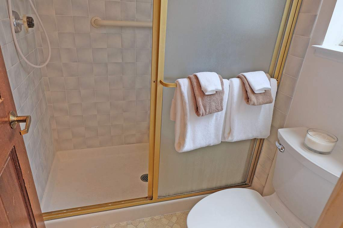 Turrine Mstr Shower-Resize