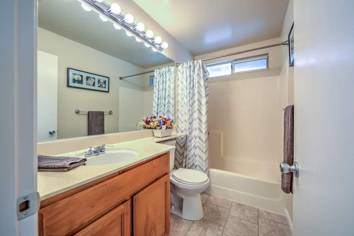 5030 Thatcher Dr Martinez CA-large-022-27-Bathroom 2-1498x1000-72dpi
