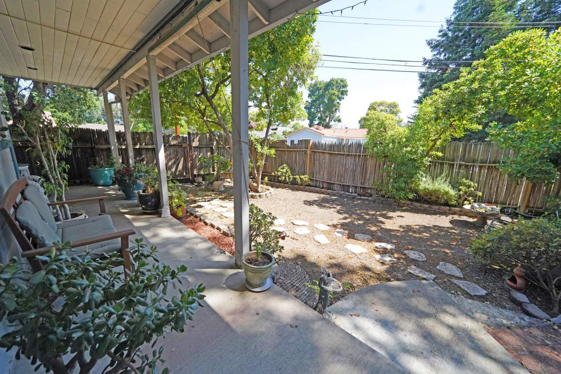 Front-Porch-Yard-web