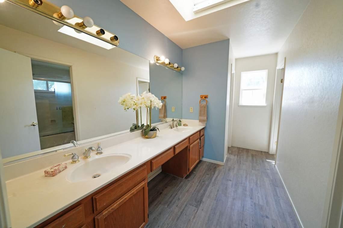 Upstairs-Bathroom-vanity-Web